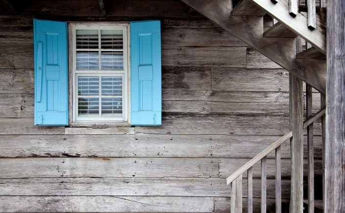 sealed retrofit window